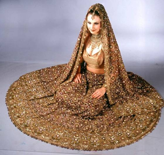 Ideal Indian Wedding Outfit for Bride