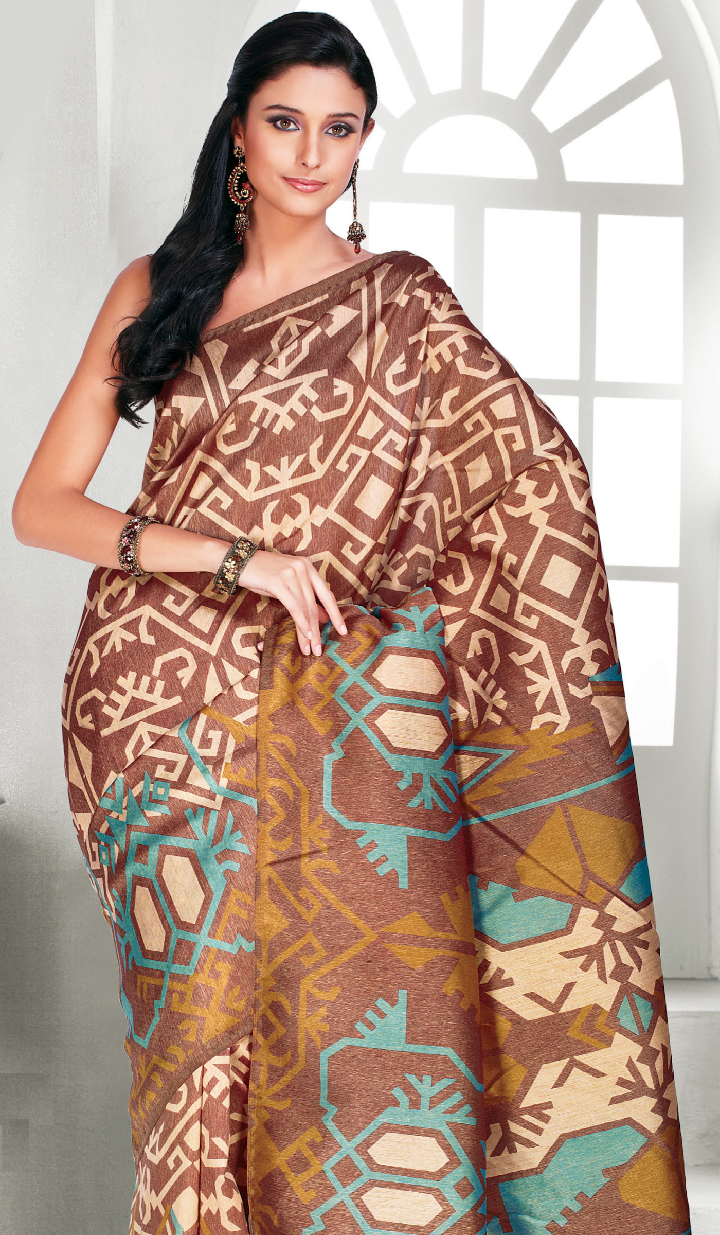 Stunning & Fashionable Printed Sarees for Women