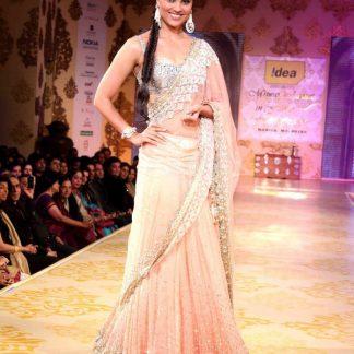 Stunning Lara Dutta in Indian Lehenga Saree-0