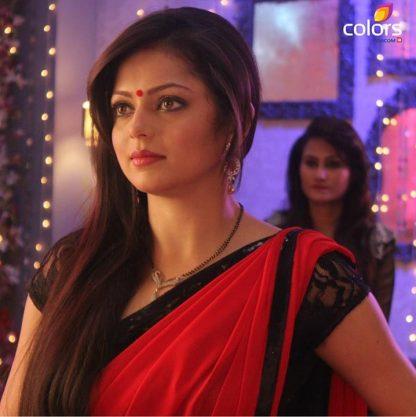 Actress Drashti Dhami in Red Chiffon Saree-0