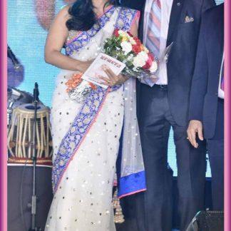 The Style Icon Kajol Devgan in Fantabulous White Saree-0